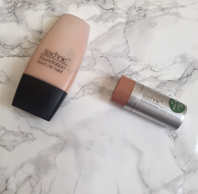 technic foundation and concealer